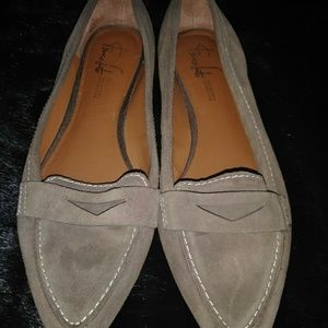 Beige Flat Shoes by Franco Sarto